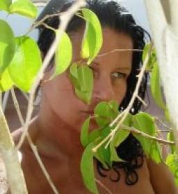 Anita  Komora