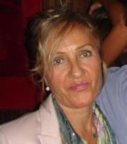 Eva  Nueno