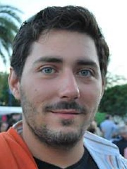 Alejandro  García H