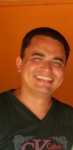Ailton  Oliveira